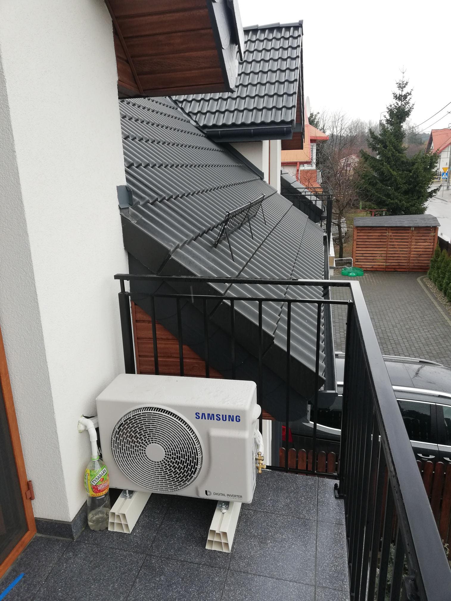 realizacja-jednostka-zewnętrzna-klimatyzator-samsung-eco-balkon